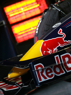 Red Bull Racing RB4 front wing detail