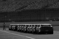 Cars lined up on pit road