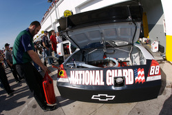 NASCAR-CUP: AMP Energy / National Guard Chevrolet crew member at work