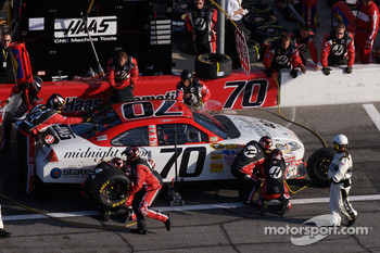 Pit stop for Jeremy Mayfield