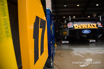 Dewalt Ford goes into the garage during practice