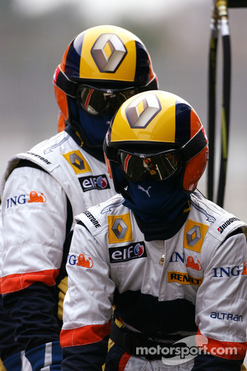 Renault F1 Team just before pitstop