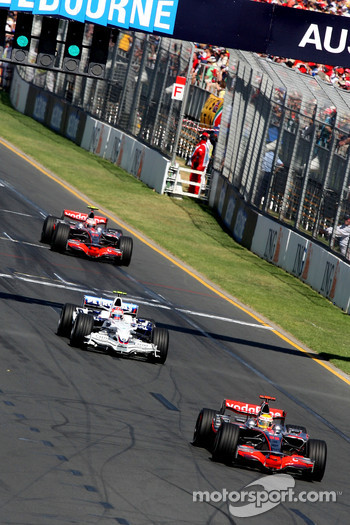 Lewis Hamilton, McLaren Mercedes, MP4-23, leads Robert Kubica, BMW Sauber F1 Team, F1.08