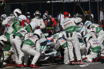 Pit stop for Rubens Barrichello, Honda Racing F1 Team