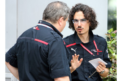 Laurent Mekies, Chief Engineer, Scuderia Toro Rosso and Giorgio Ascanelli, Scuderia Toro Rosso, Technical Director
