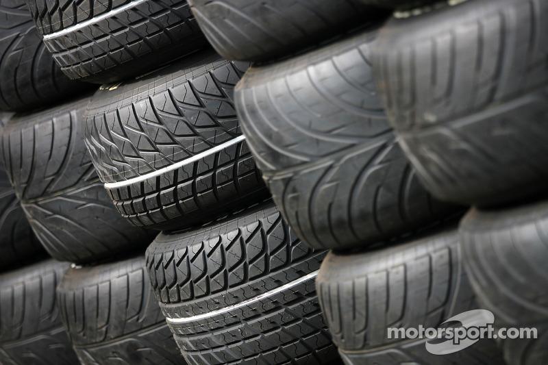 Wet tyres Bridgestone