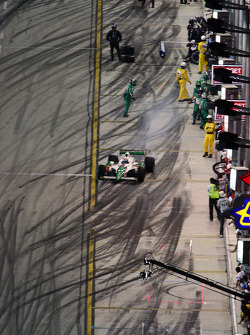 Tony Kanaan makes a pit stop
