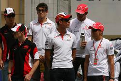 Heikki Kovalainen, McLaren Mercedes, Adrian Sutil, Force India F1 Team, Lewis Hamilton, McLaren Mercedes
