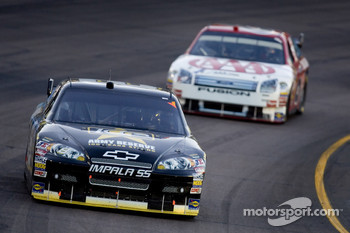 Mark Martin leads David Ragan