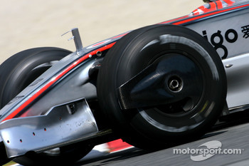 Pedro de la Rosa, Test Driver, McLaren Mercedes, on slicks
