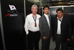 David Clare, CEO Asian Region with the new A1 Team Korea Seat Holder Joshua Kim and Tony Teixeira, A1GP Chairman