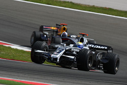 Nico Rosberg, WilliamsF1 Team, FW30 leads David Coulthard, Red Bull Racing, RB4