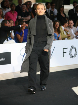 Nico Rosberg, WilliamsF1 Team Amber Fashion which benefits the  Elton John Aids Foundation