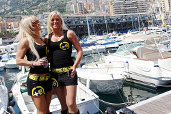 Girls in the harbour