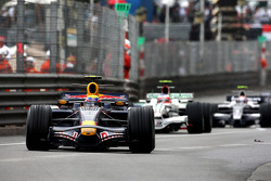 Mark Webber, Red Bull Racing, Rubens Barrichello, Honda Racing F1 Team