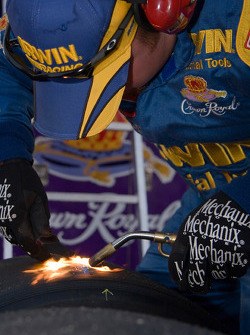 The IRWIN Ford team uses the bernzo torch to clean there tires