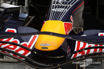 Red Bull Racing, RB4, Front wing