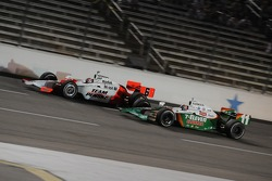Ryan Briscoe and Tony Kanaan battling for position