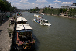 Visit of Paris: Seine river