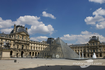 Visit of Paris: Louvres museum