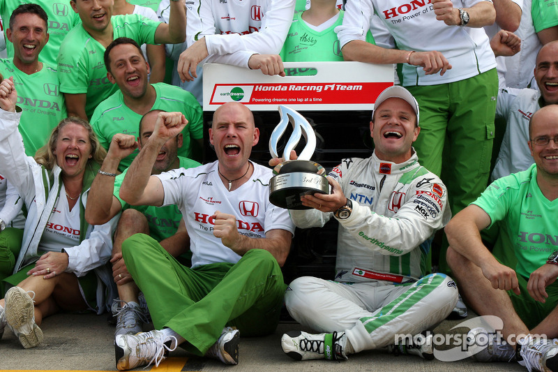Rubens Barrichello celebrates third place finish with Jock Clear and Honda Racing F1 team members