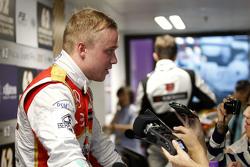 Felix Rosenqvist, Prema Powerteam Dallara Mercedes-Benz with the media