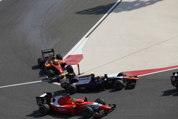 Daniel De Jong, Trident and Jordan King, Racing Engineering make contact