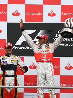 Podium: race winner Lewis Hamilton, second place Nelson A. Piquet