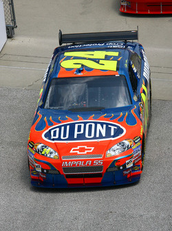 Jeff Gordon heads to pitlane