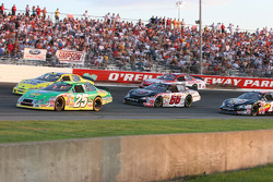 Bobby Hamilton Jr. leads the field through the 1st corner