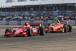 Dan Wheldon and Enrique Bernoldi