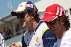 Fernando Alonso, Renault F1 Team and Jarno Trulli, Toyota Racing
