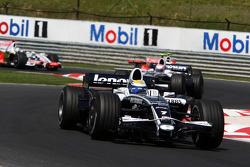 Nico Rosberg, WilliamsF1 Team, FW30 leads Kazuki Nakajima, Williams F1 Team, FW30