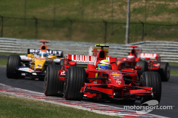 Felipe Massa, Scuderia Ferrari, F2008 and Fernando Alonso, Renault F1 Team, R28