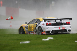 #96 Virgo Motorsport Ferrari F430 GT: Jaime Melo, Robert Bell crashes