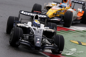 Nico Rosberg, WilliamsF1 Team, FW30 and Fernando Alonso, Renault F1 Team, R28
