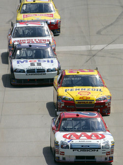 David Ragan leads Kevin Harvick and Sam Hornish Jr.