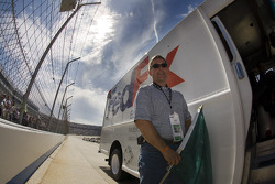 Fedex starts off The Camping World RV 400 presented by AAA by waving the green flag