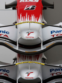 Toyota F1 Team, front wings