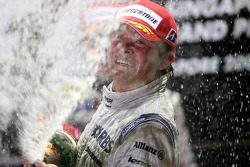Podium: champagne for Nico Rosberg