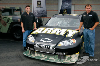 Ryan Newman and Tony Stewart announce sponsorship with the US ARMY for the 2009 NASCAR Sprint Cup Series