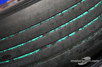 Used Bridgestone green tyres