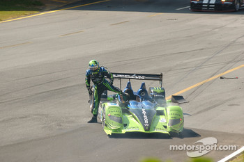 #9 Patron Highcroft Racing Acura ARX-01B: David Brabham, Scott Sharp, Dario Franchitti crashes at turn 10