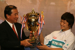 And Kunimoto with another trophy
