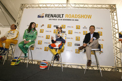 Nelson A. Piquet on stage with Indy Lights driver Ana Beatriz and other personalities