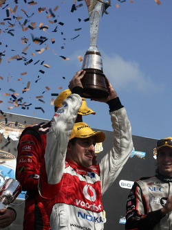 Jamie Whincup wins the 2008 V8 Supercar championship
