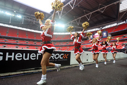 Grid girls get in the Christmas spirit
