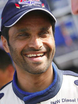 Nasser Saleh Al Attiyah all smile before the start of stage 6