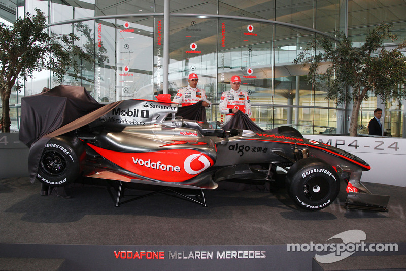Lewis Hamilton and Heikki Kovalainen with the new McLaren Mercedes MP4-24