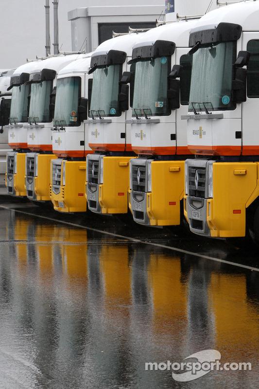 Renault F1 Team, truck